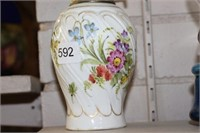 """Partial hand painted oil lamp - 8"""""""