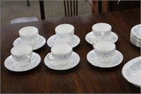 """8 place setting of Wedgwood """"Belle"""" dishes"""