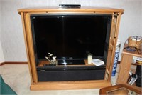ONLINE ONLY! - LAKEHOUSE LIQUIDATION SALE - FURNITURE, TOOLS