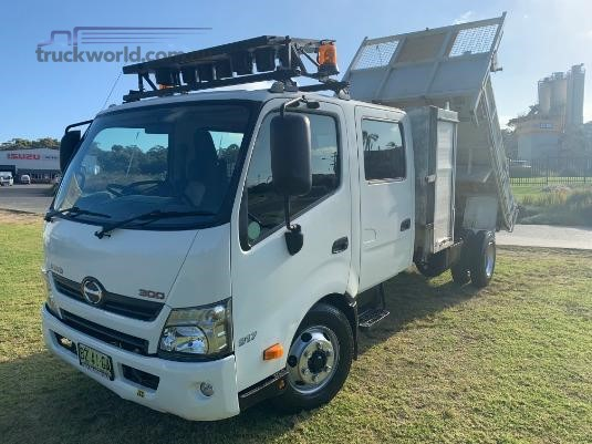 2014 Hino 300 Series 917 Crew Cab Trucks for Sale