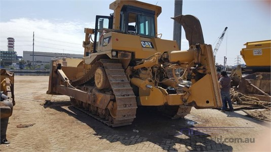 2011 Caterpillar D9R Heavy Machinery for Sale