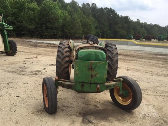 TractorHouse com | JOHN DEERE 2040 Dismantled Machines