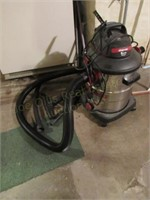 10 Gal Shopvac 5.5 hp w/ Hose & Attachments