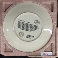 Paid of decorative Christmas plates