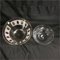 Pair of glass bowls