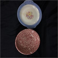 Royal Collection - Pair of bowls (one has crack)