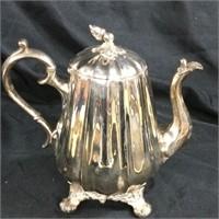 Vintage Reed & Barton silver plated tea kettle