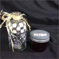 Assorted pair of jars