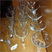 Assorted cocktail glasses (15)