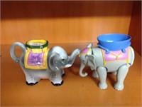 Paif of elephants