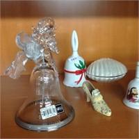 Assorted keepsakes/trinkets