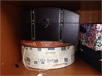 Assorted keepsake boxes