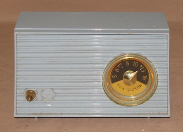 RCA Victor Nipper Radio, Model IXA, | The Auction Guy