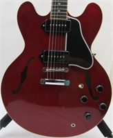 Gibson Les Paul Fender Stratocaster SG Alvarez Gretsch