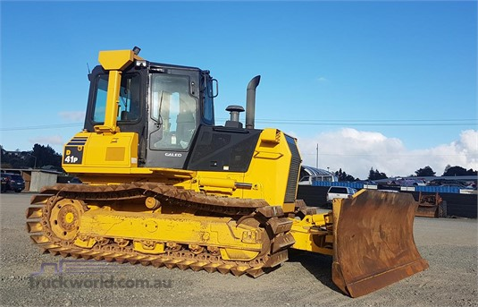 2005 Komatsu D41P-6 - Heavy Machinery for Sale