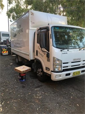 2014 Isuzu NPR 200 Premium Trucks for Sale