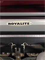 Vintage Royalite Typewriter whit bag