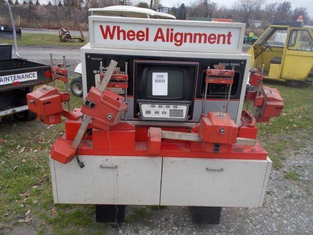 HUNTER MODEL C111 WHEEL ALIGNMENT MACHINE | Edinburg Auction Sales, Inc,
