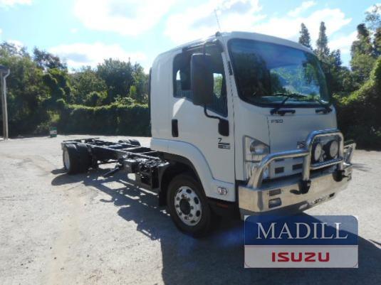 2010 Isuzu FSD 700 LONG - Trucks for Sale