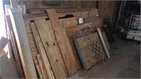Assorted wood planks & pieces