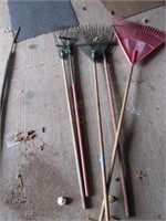 Garden & Leaf Rakes