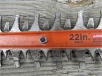 "B&D 22"" Hedge Trimmer, 20V Lithium, Cordless"