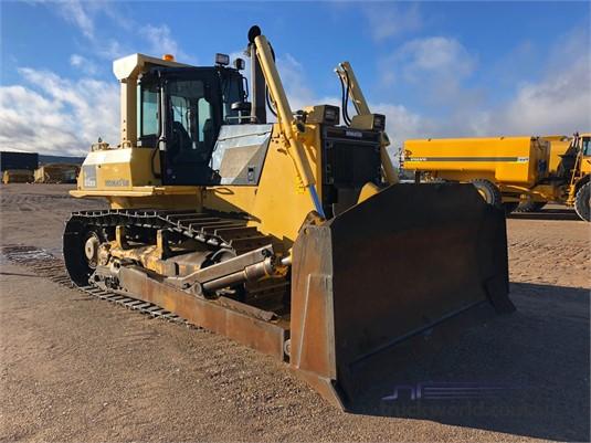 2010 Komatsu D85EX Heavy Machinery for Sale