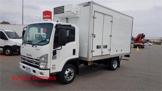 2010 Isuzu NPR 300 Major Motors - Trucks for Sale