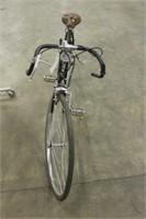 JOHN DEERE MENS 10 SPEED BICYCLE
