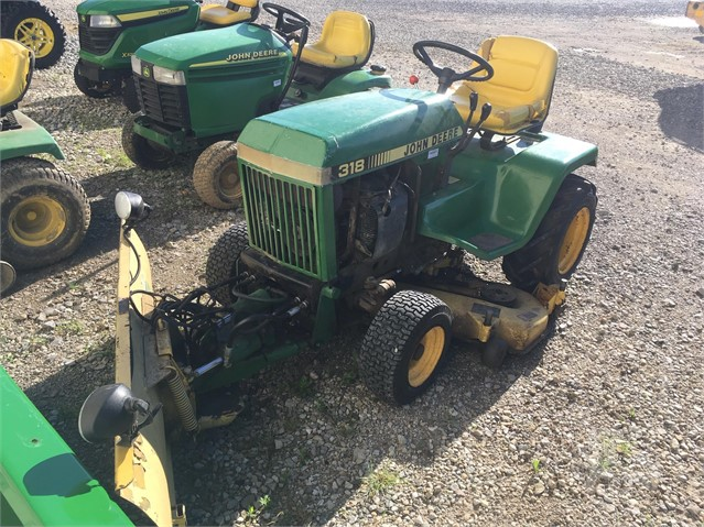 John Deere 318 >> 1985 John Deere 318 For Sale In Lancaster Ohio Tractorhouse Com