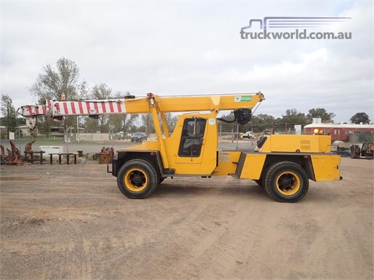 1991 Franna 4WD12 Carry Deck Cranes / Pick and Carry Cranes