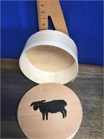 Decorative cheese box
