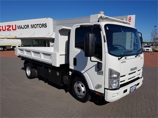 2011 Isuzu NPR 300 - Trucks for Sale