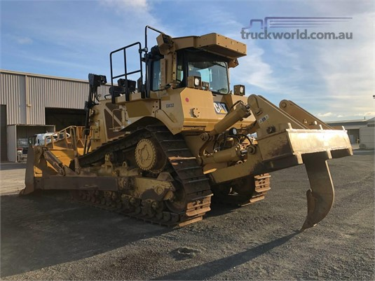 2015 Caterpillar D8T - Truckworld.com.au - Heavy Machinery for Sale
