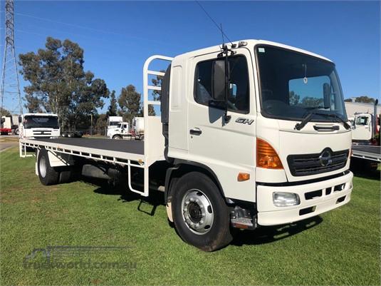 2006 Hino Ranger 10 GH - Trucks for Sale