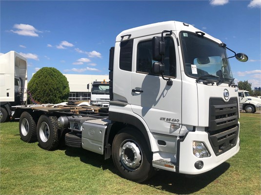 2019 UD GW26420 - Trucks for Sale