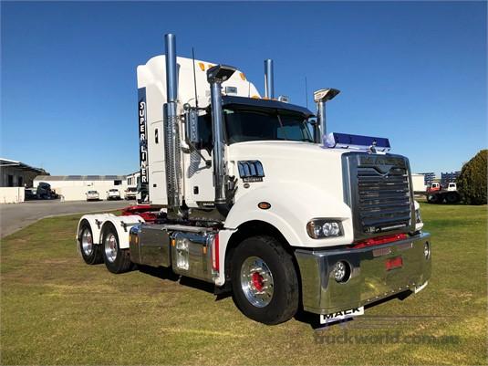 2017 Mack Super Liner Trucks for Sale