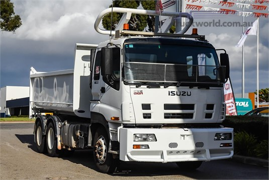2013 Isuzu Giga CXY WA Hino - Trucks for Sale