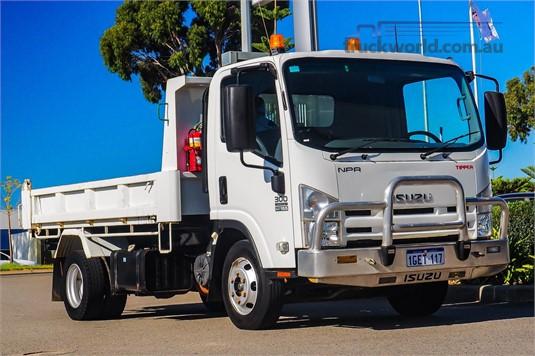 2012 Isuzu NPR 300 WA Hino - Trucks for Sale