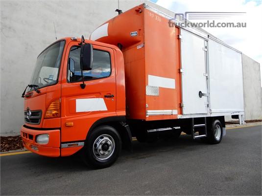 2004 Hino RANGER FC5 Trucks for Sale