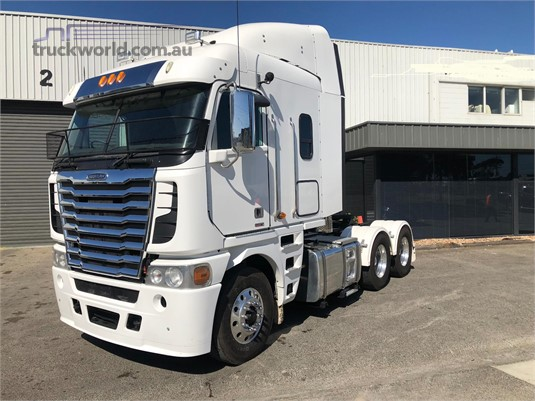 2012 Freightliner other Trucks for Sale