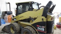 Skid Steers - Wheel 2005 CATERPILLAR 242B 37