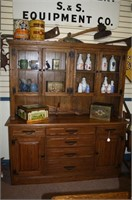 April antique auction