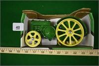 ERTL 1:16 1923 John Deere Model D Tractor in Box