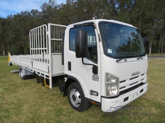 2013 Isuzu NPR 300 Trucks for Sale