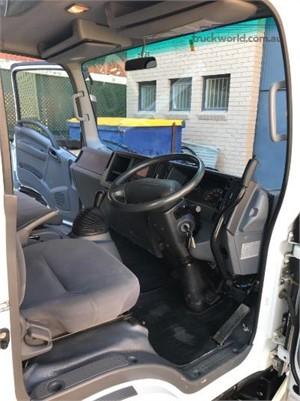2013 Isuzu NPR 200 Short Trucks for Sale