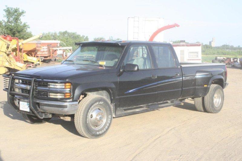 1994 CHEVY 3500 DUALLY 4x4 1GCHK33F9RJ334792   Smith Sales LLC