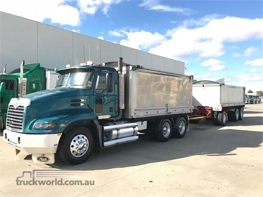 2005 Mack Vision Trucks for Sale