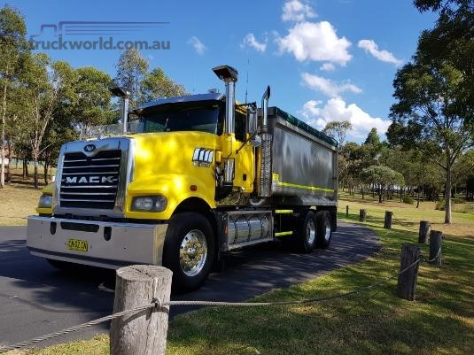 2008 Mack Trident Trucks for Sale
