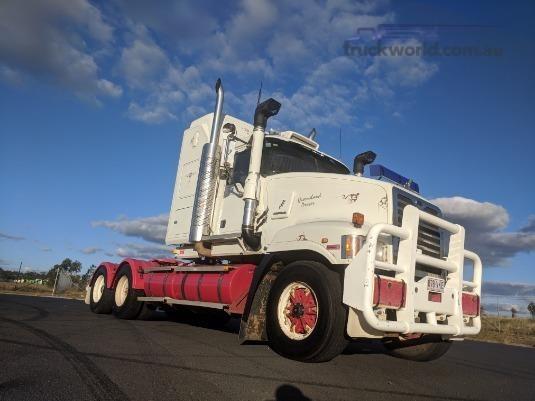 2005 Mack Super Liner Trucks for Sale